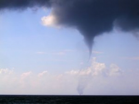 tornado01.jpg